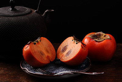theme-still-life-black-orange-persimon-78198